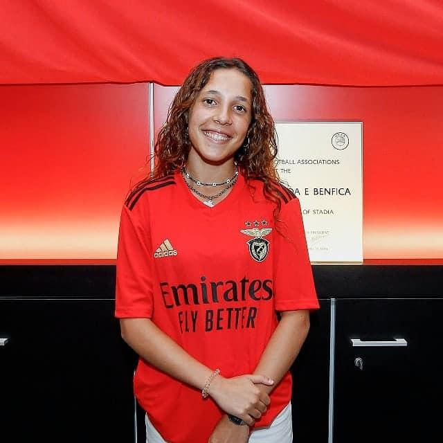 Matilde assina renova com o Benfica